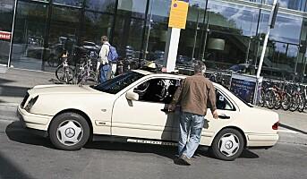 Færre svenske taxisjåfører trues på jobb