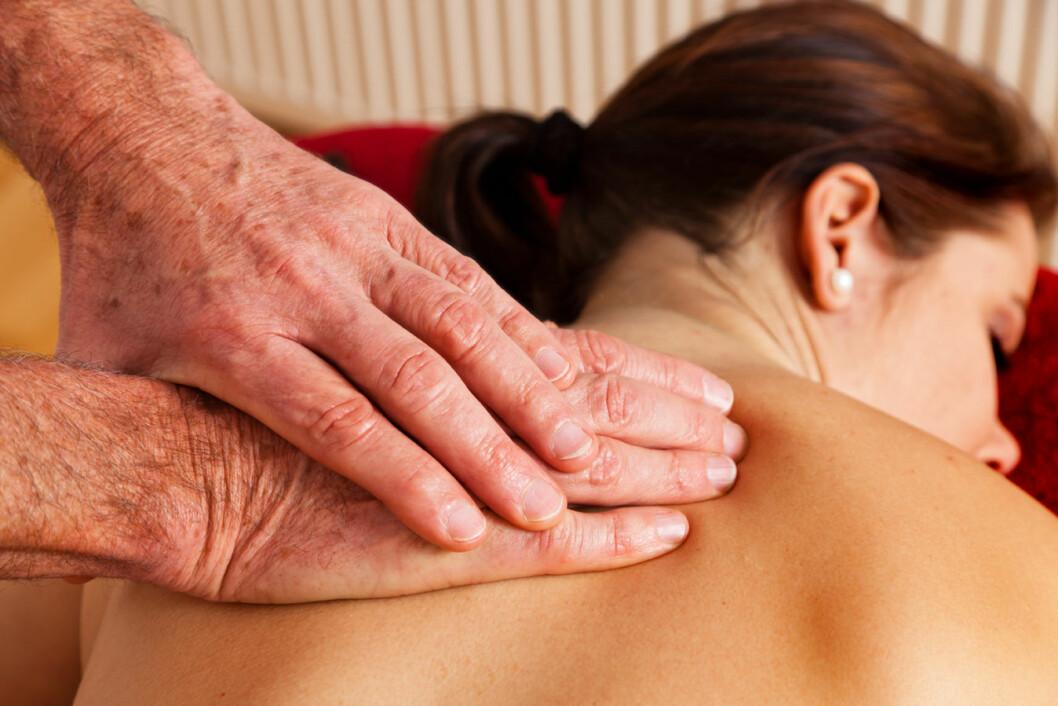 Fysioterapi-massasje-CB1693