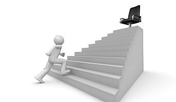 Ta en kollega i armen og gå i trappa