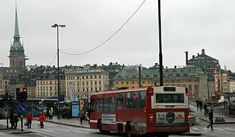 Svenskene sliter mer på jobb