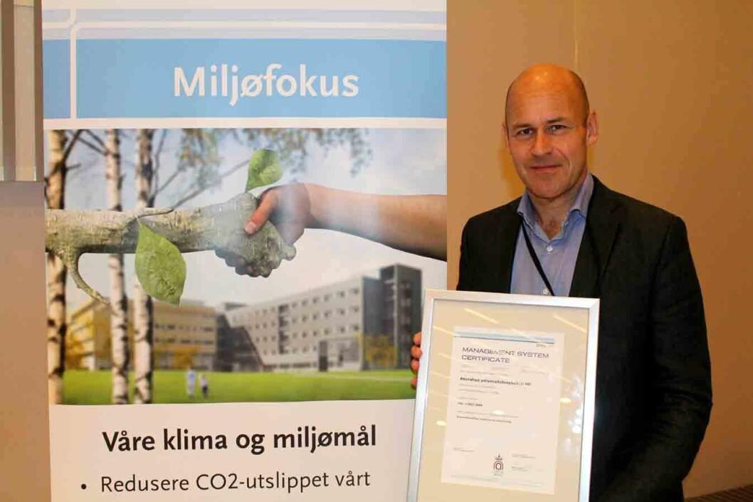 Øystein-M-med-sertifikat