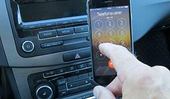 Færre bilførere holder i mobilen