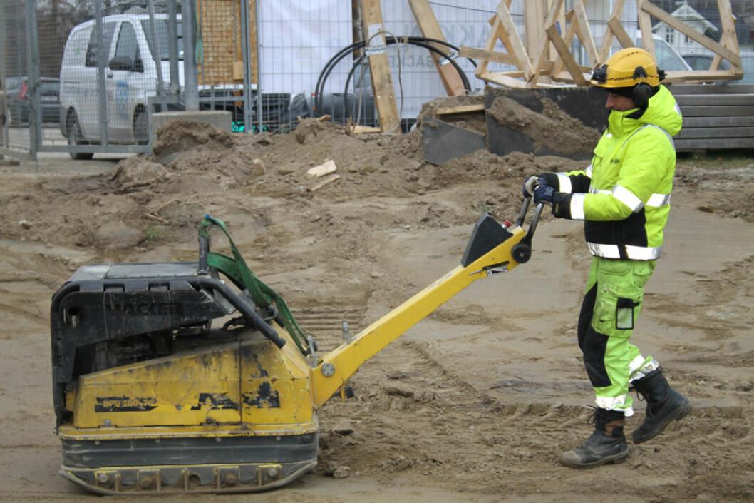 Håndholdt vibrerende verktøy kan øke risikoen for å utvikle hånd-arm-vibrasjonssyndrom (HAVS). (Foto: Jan Tveita)