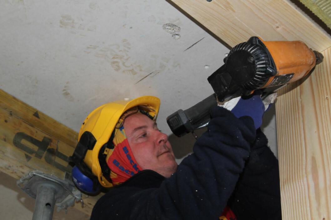 70 prosent av tømrerne er eksponert for kulde store deler av arbeidsdagen. (Foto: Jan Tveita)