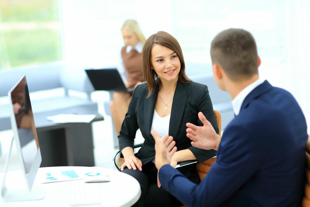 Gode kolleger og interessante arbeidsoppgaver er viktig for å trives på jobb. (Illustrasjonsfoto: Colourbox.com)