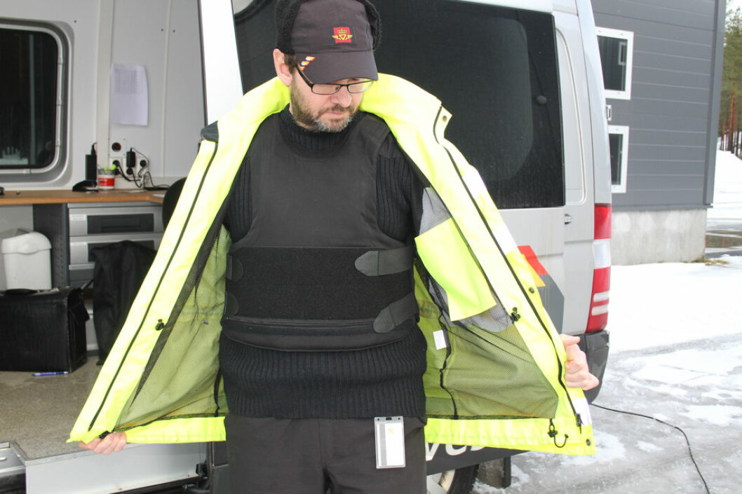 Flemming Skarpnord i Statens Vegvesen tok i bruk sikkerhetsvesten allerede før påbudet kom. (Foto: Jan Tveita)