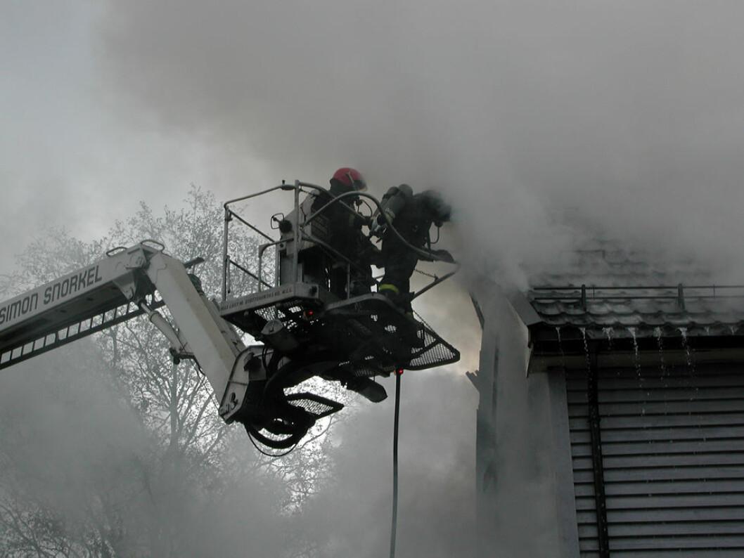 Et farlig yrke - men brannfolk blir sjelden utbrent. (Foto: Jan Tveita)