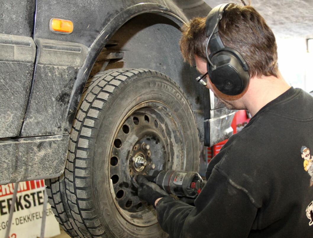 Hvert år får mange med redusert arbeidsevne jobb gjennom «Ringer i Vannet». (Foto: Jan Tveita)