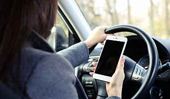 Skjerper straffen for mobilbruk i bil