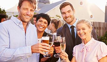 Vil kutte alkoholbruk i jobbsammenheng