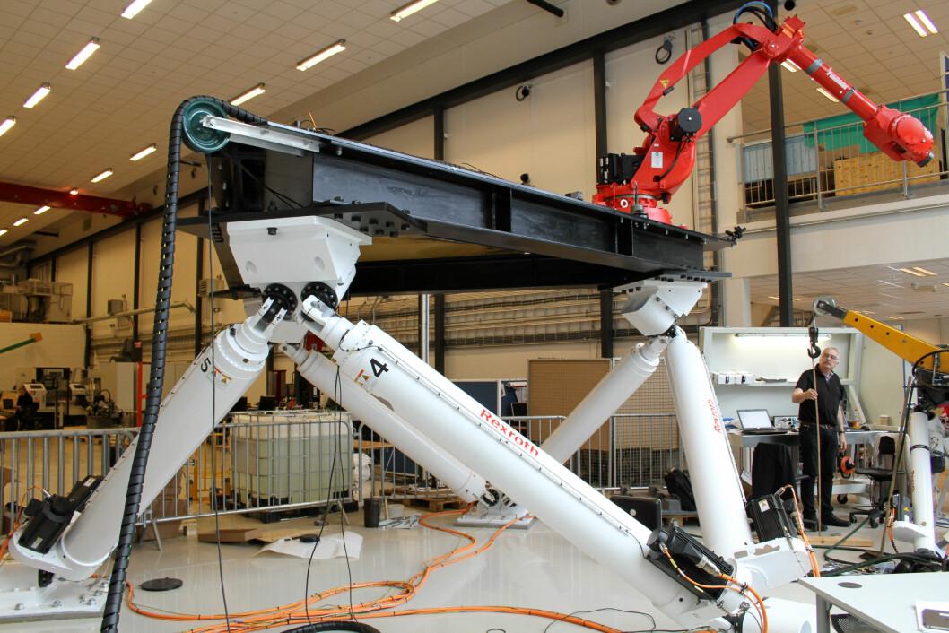 Robotene har gjort sitt inntog i industrien. (Foto: Jan Tveita)