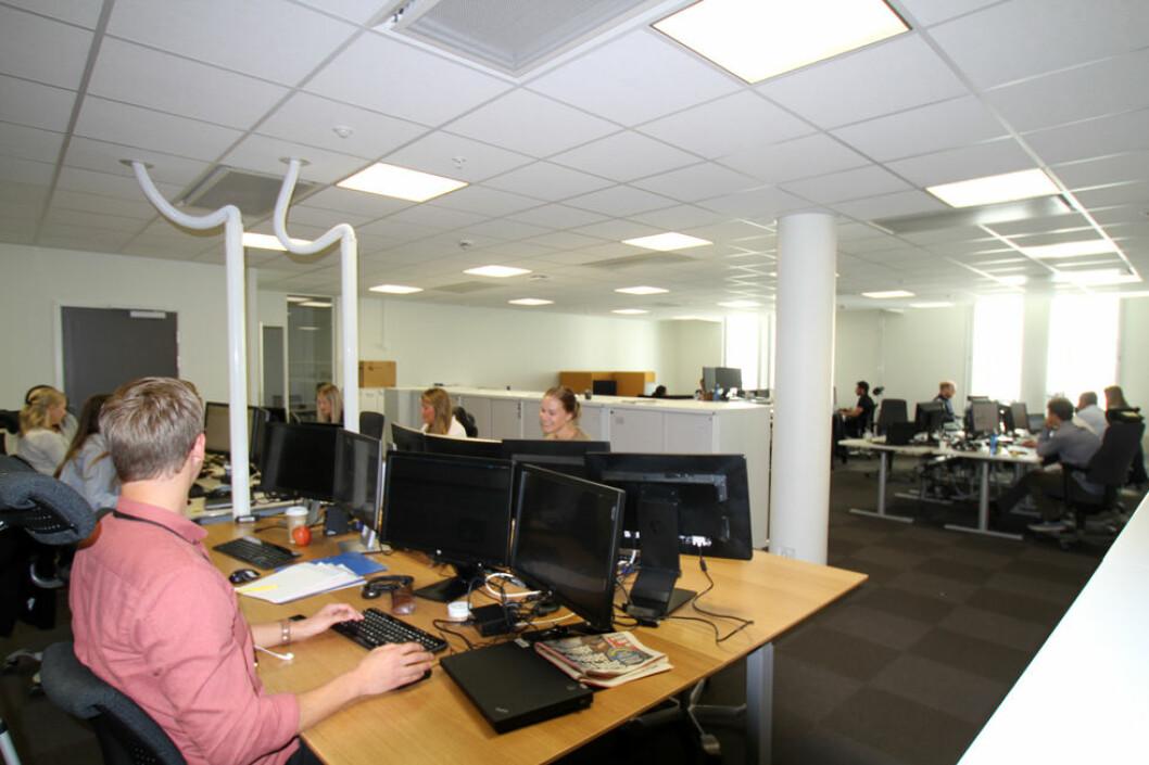 Er det best å sitte i åpent kontorlandskap for å få gjort jobben? (Foto: Jan Tveita)