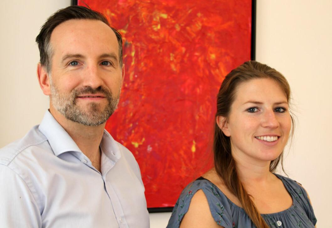 Andreas Totzauer og Joelle Janz i Norsk-Tysk Handelskammer vil ha flere norske utstillere og besøkende til A+A-messen i Düsseldorf neste år. (Foto: Jan Tveita)