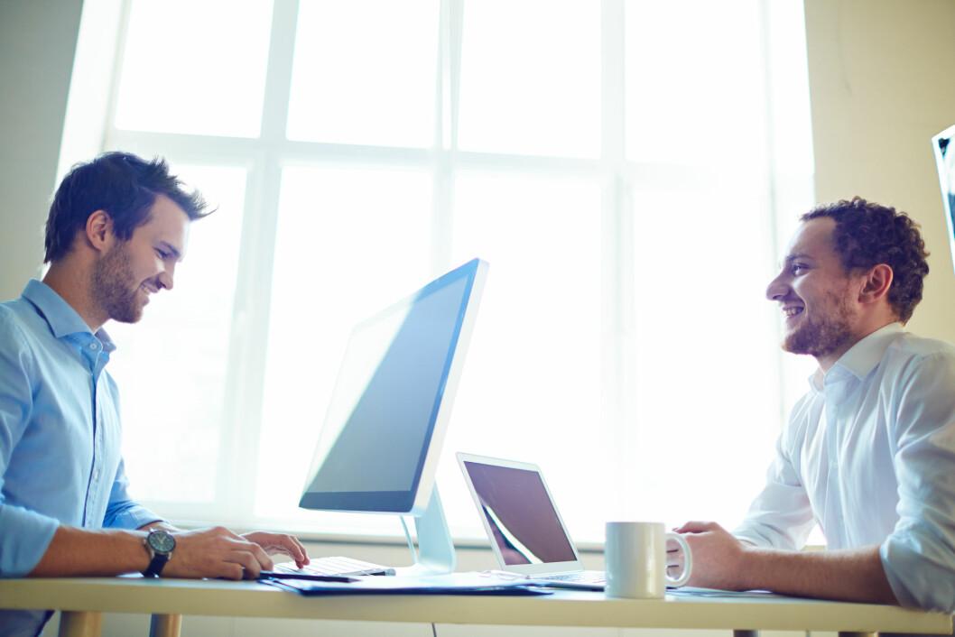 Trivsel på arbeidsplassen er den viktigste faktoren, og det som tydelig skiller Skandinavia fra resten av verden. (Foto: Colourbox)