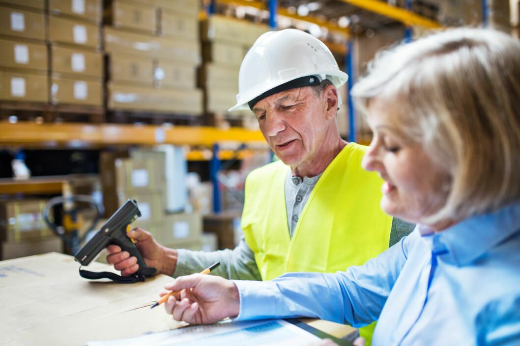 Vi må tenke helt nytt om eldres rolle i arbeidslivet, mener rekrutteringsselskapet Randstad. (Foto: Colourbox)