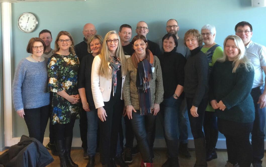 Fra stiftelsesmøtet til Bedriftshelsetjenestens bransjeforening. Mary Engh-Johansen foran til venstre på bildet. (Foto: Privat)