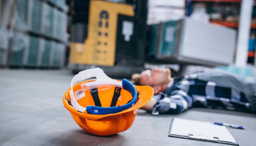 Fortsatt er det mange ulykker som skjer når arbeidstakerne bruker traktor, anleggsmaskiner og løfteutstyr.