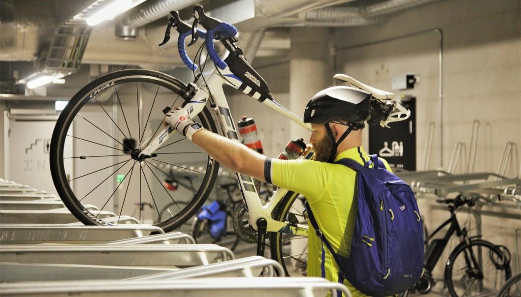 TILRETTELAGT: Oslo kemnerkontor er blant arbeidsplassene som har god tilrettelegging for at de ansatte skal kunne sykle til jobben.