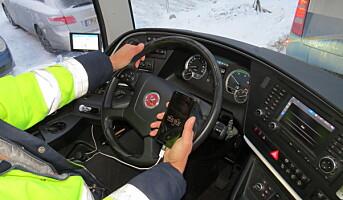 Er det lov å bruke mobil i bilkø?