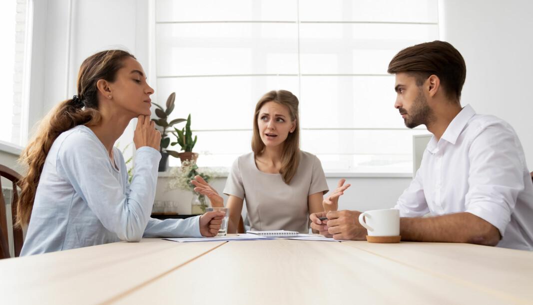 Lederen kan måtte innta rollen som mekler i konflikter på arbeidsplasen.
