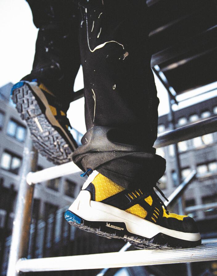 HVOR SKAL DU JOBBE? Når du skal velge riktige arbeidsko, er det viktig å kartlegge hvilke type arbeidsoppgaver man har, og hva skoene må tåle.