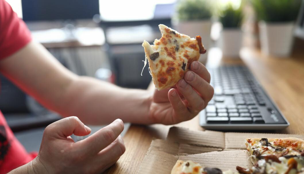 Frossenpizza foran pc-en til lunsj i dag?