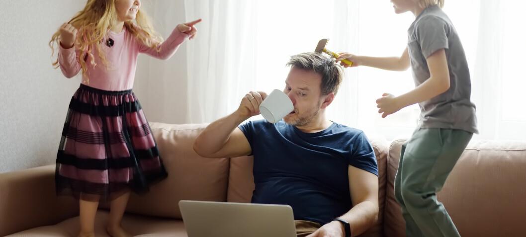 Fedre på hjemmekontor bidrar mer til husarbeidet